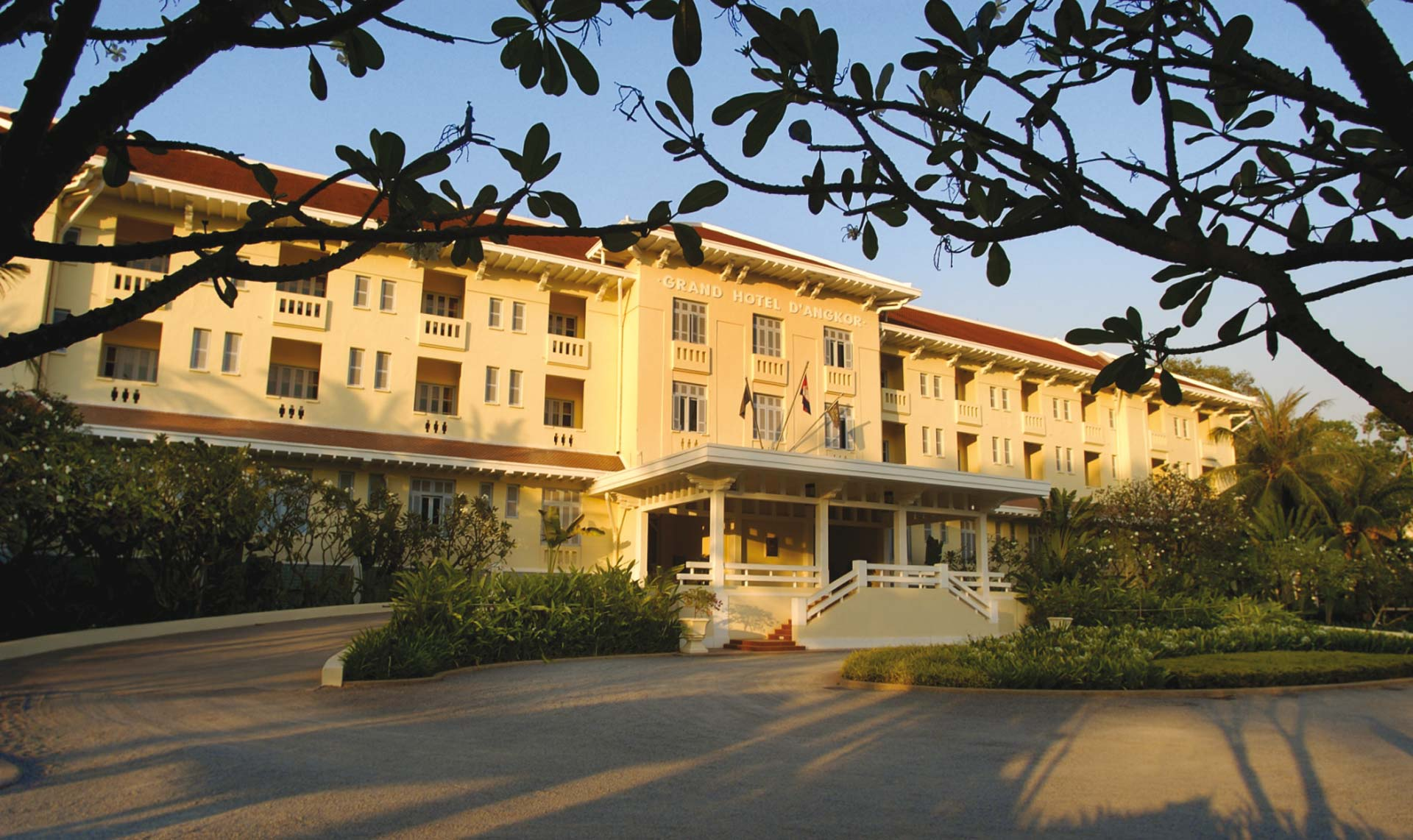 Raffles Grand Hotel dAngkor Hotelansicht
