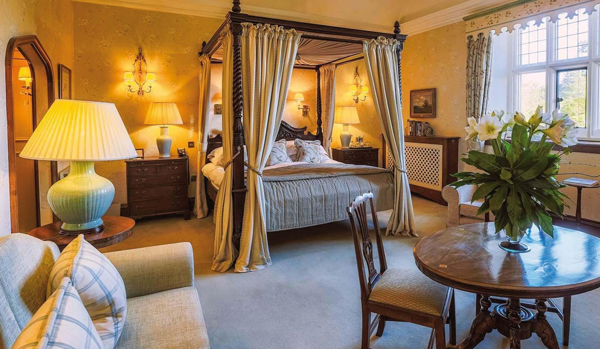 Gravetye Manor Exclusive Deluxe Room HOLLY