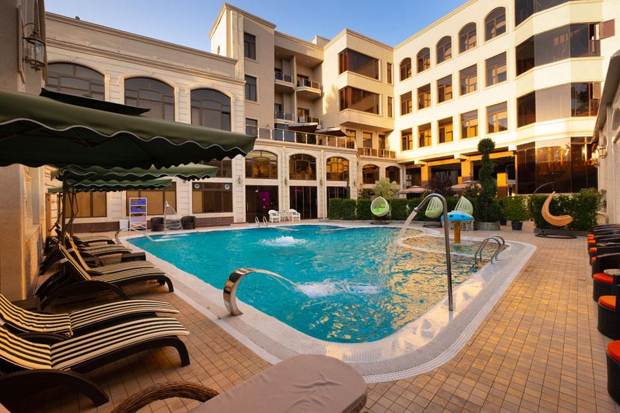 Dilimah Premium Luxury Hotel Pool