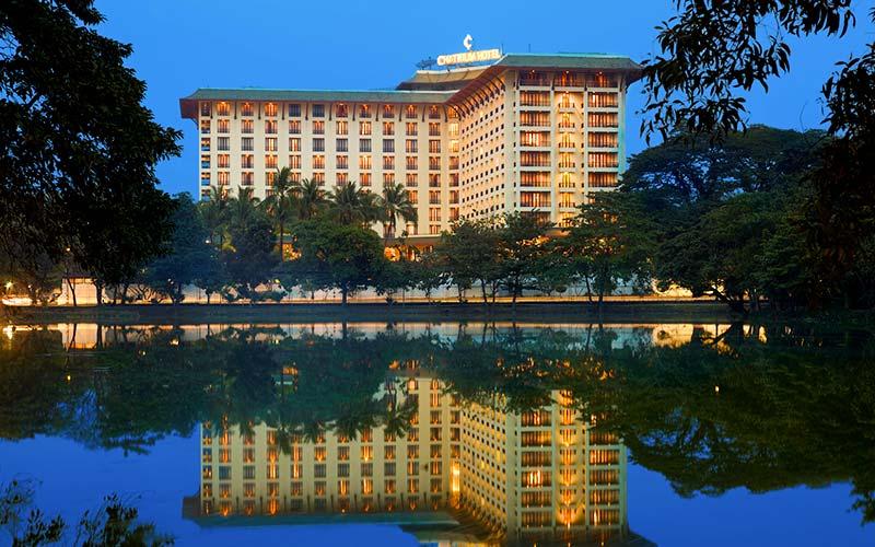 Chatrium Hotel Royal Lake Yangon Außenansicht