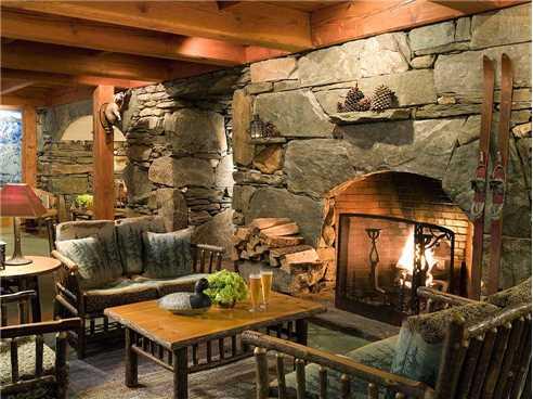 Pitcher Inn Lounge