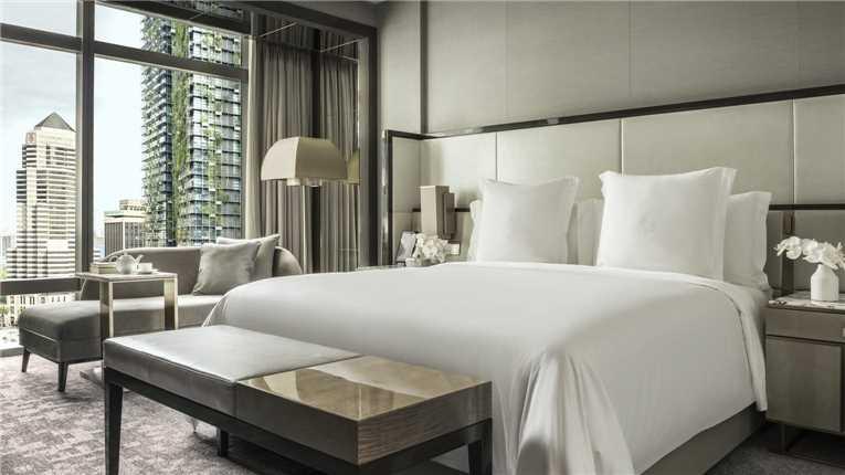 Four Seasons Hotel Kuala Lumpur Suite