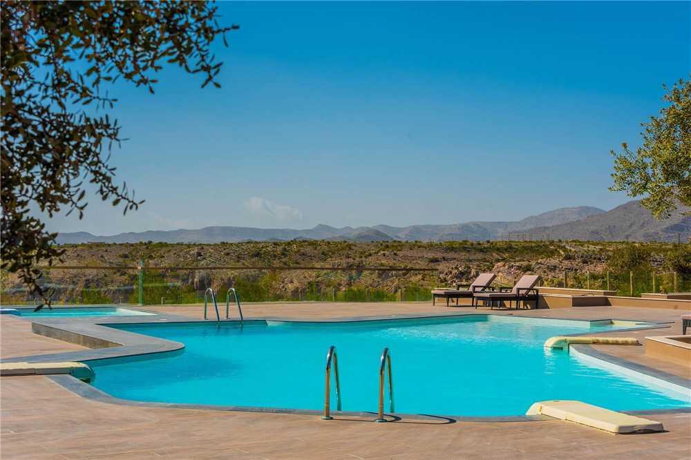 Sahab Resort & Spa Pool