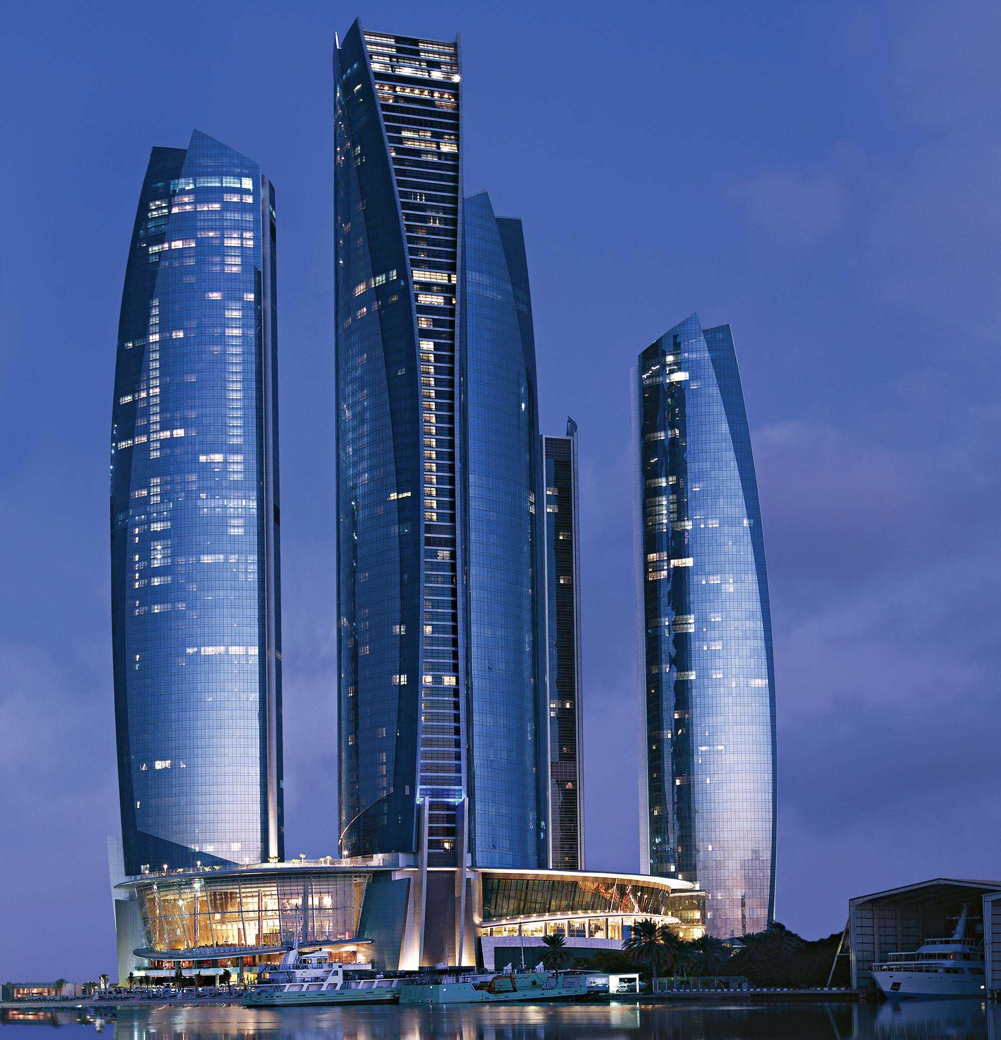 Jumeirah at Etihad Towers Außenansicht Nacht