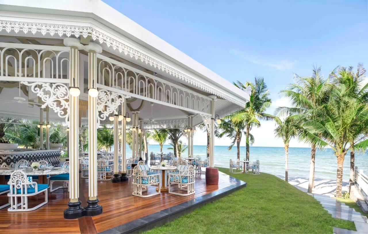 JW Marriott Phu Quoc Emerald Bay Bar