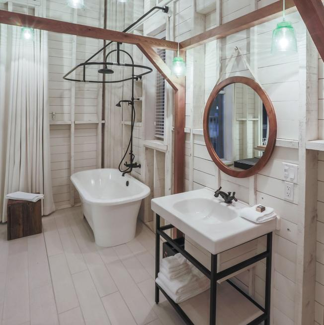 Le Germain Charlevoix Hotel and Spa Badezimmer