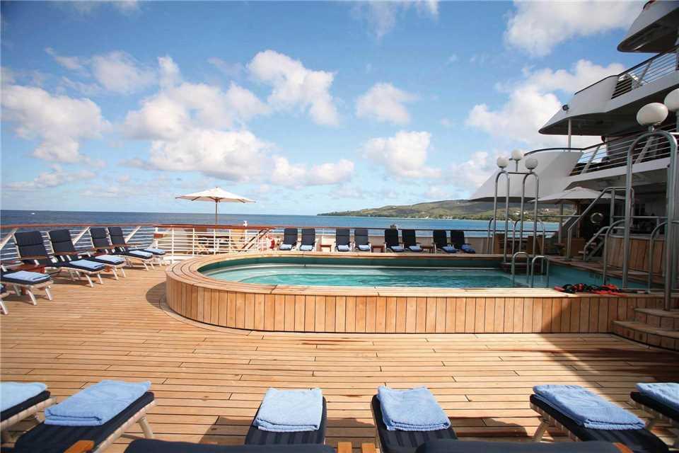 SeaDream I SeaDream Yacht Club Pool