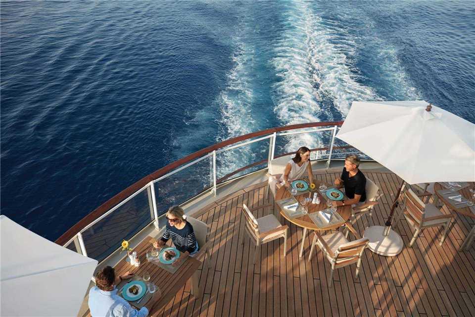 MS Europa 2 Yachtclub