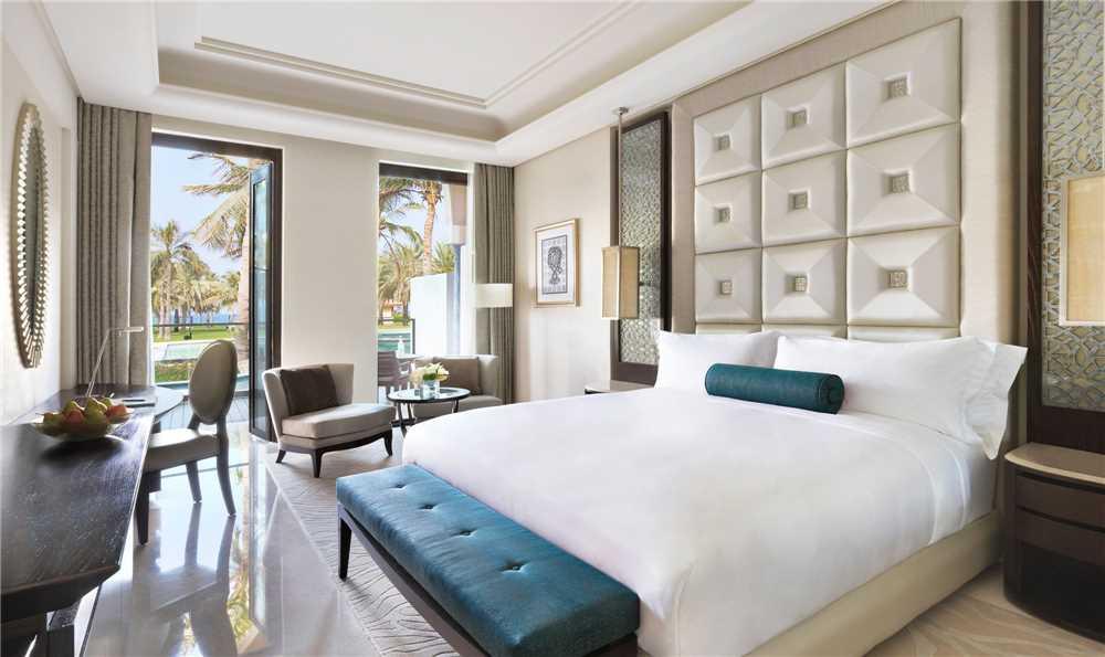 Al Bustan Palace, a Ritz-Carlton Hotel Lagoon Doppelzimmer