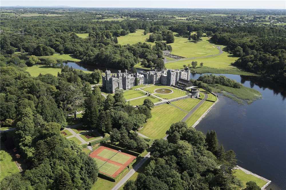 Ashford Castle Außenansicht