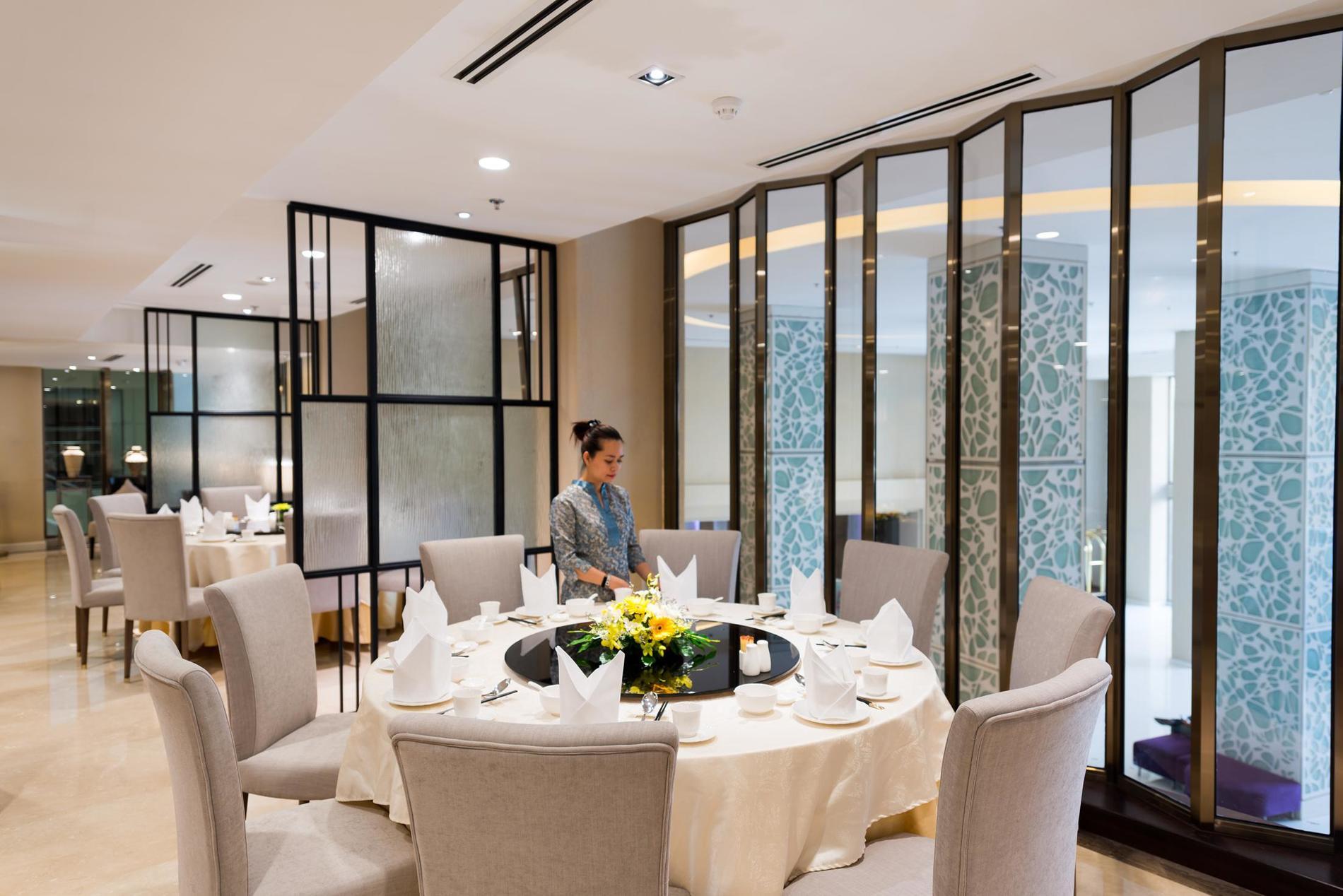 Eastin Grand Hotel Saigon Restaurant