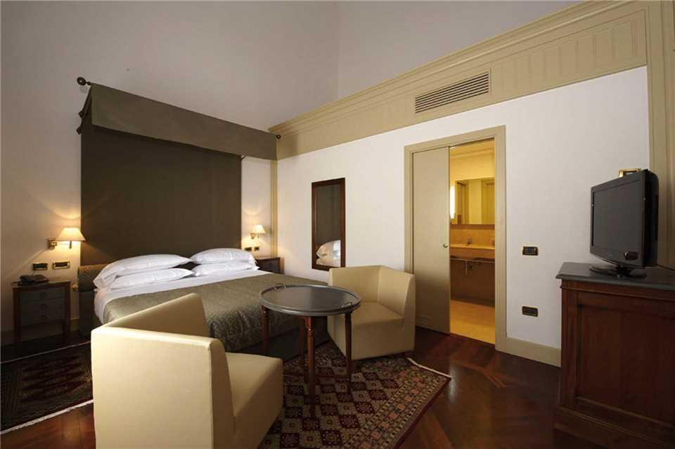 Grand Hotel Piazza Borsa Doppelzimmer
