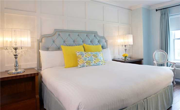 Queens Landing  Zimmer