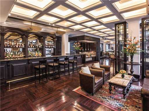 Sofitel Legend Metropole Le Club Bar