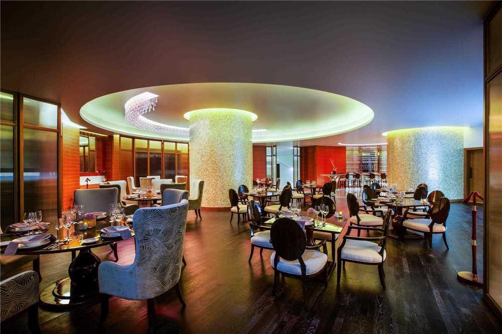 Bab Al Qasr Hotel Restaurant