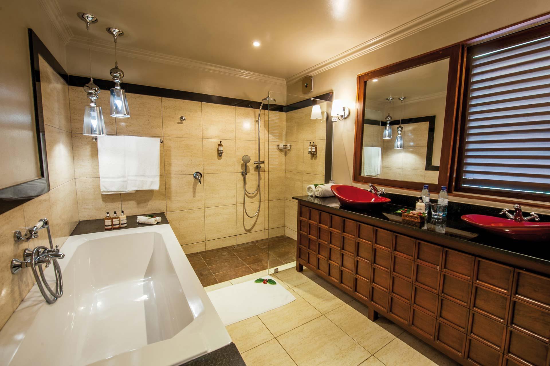 Arusha Coffee Lodge by Elewana Plantation Room Badezimmer