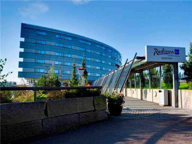 Radisson Blu Airport Hotel Außenansicht