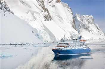 Poseidon Expeditions Sea Spirit Luftaufnahme
