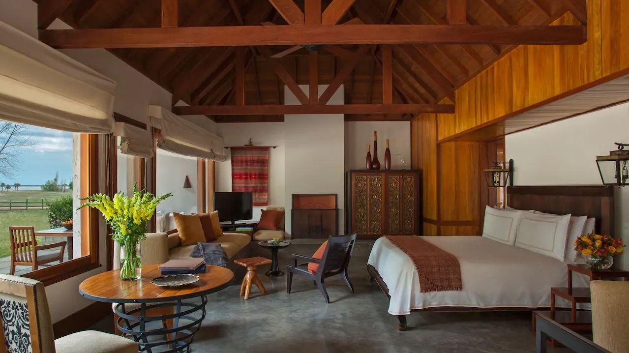 Carmelo Resort & Spa Suite