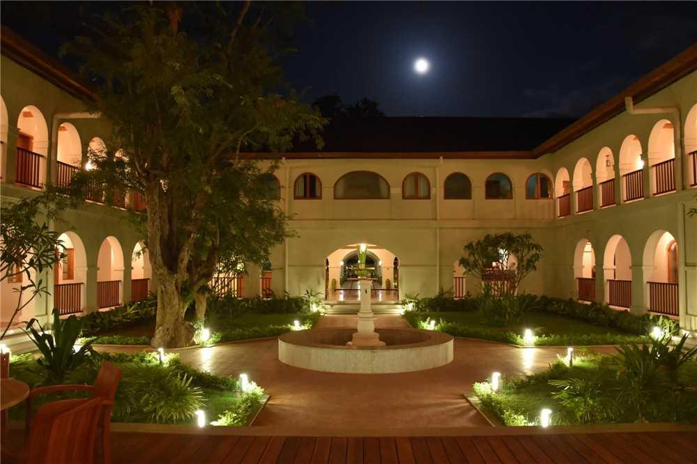 Sanctum Inle Resort Innenhof