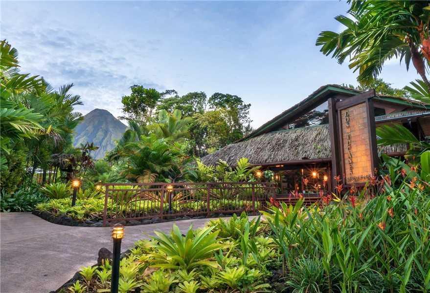 Tabacon Thermal Resort & Spa Restaurant Außenansicht