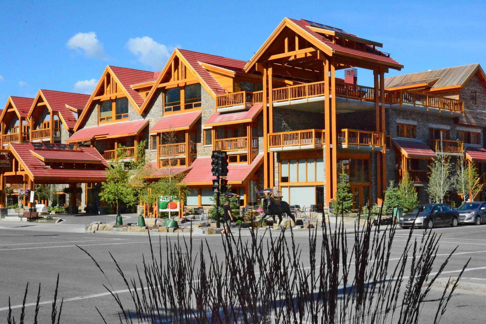 Moose Hotel & Suites Außenansicht