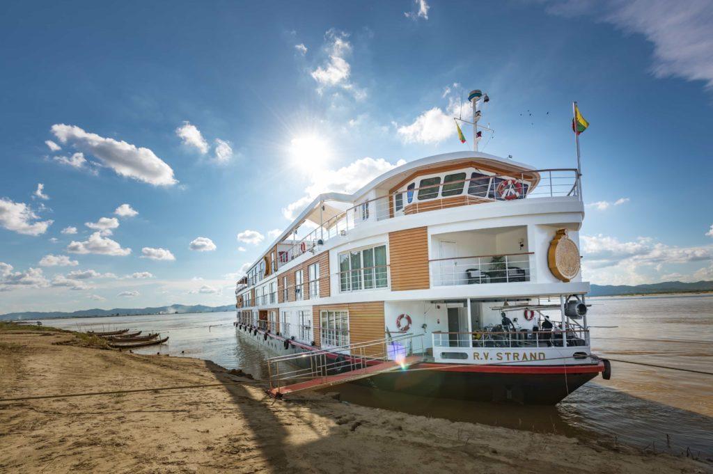 The Strand Cruises Schiff