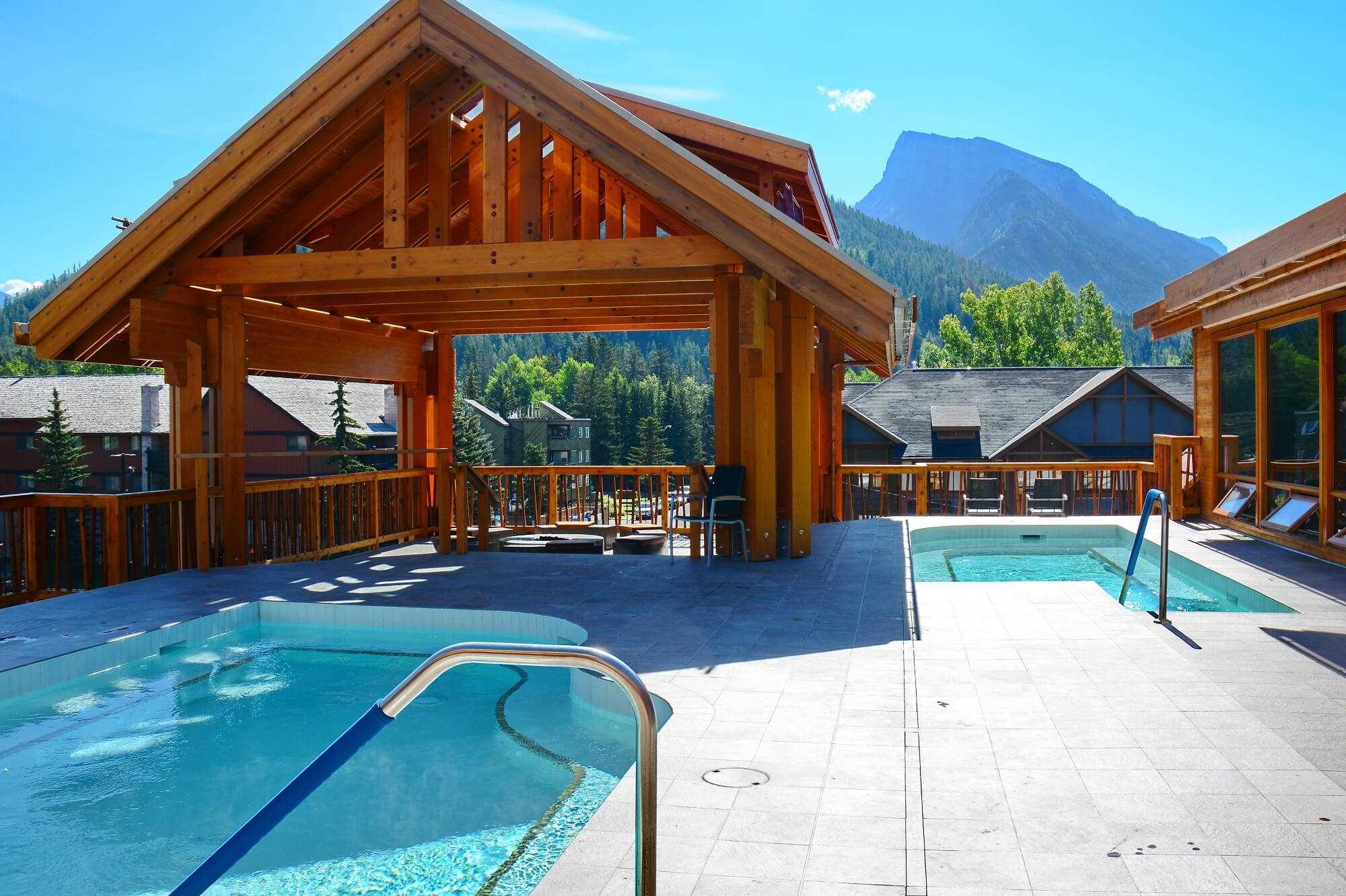 Moose Hotel & Suites Pool