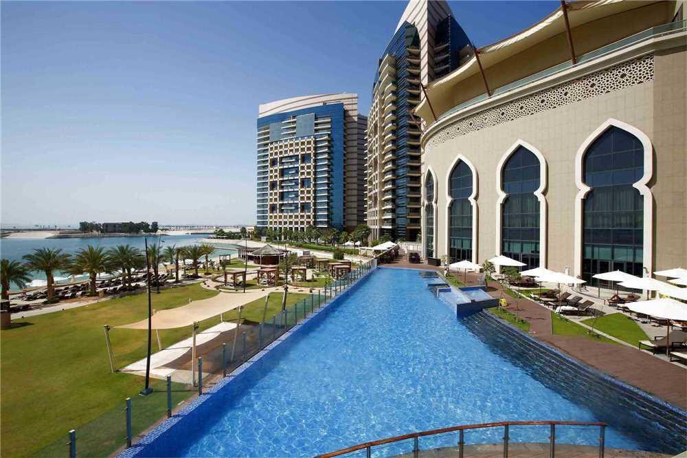 Bab Al Qasr Hotel Pool
