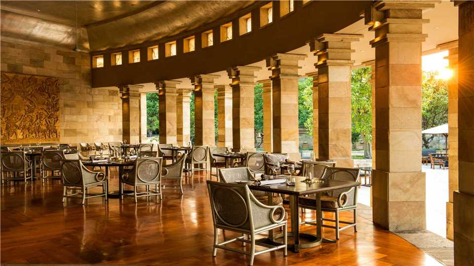 Restaurant Amanjiwo Resort in Yogyakarta