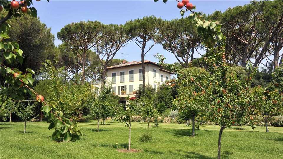 Villa Tombolino Gartenblick auf Villa