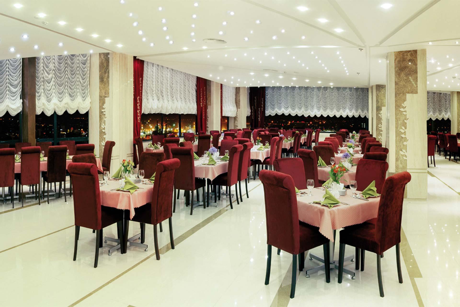 Sinoor Grand Hotel Restaurant