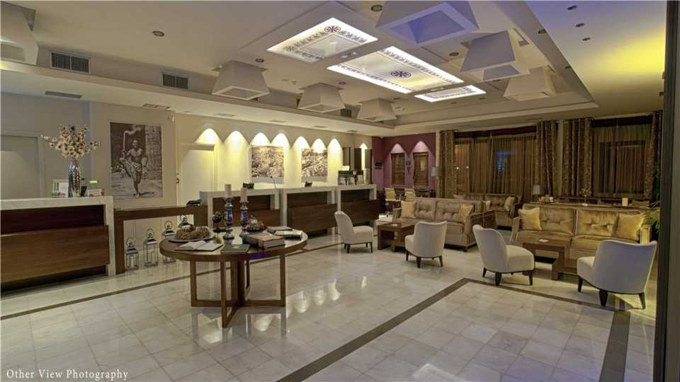 Lobby Arty Grand Hotel