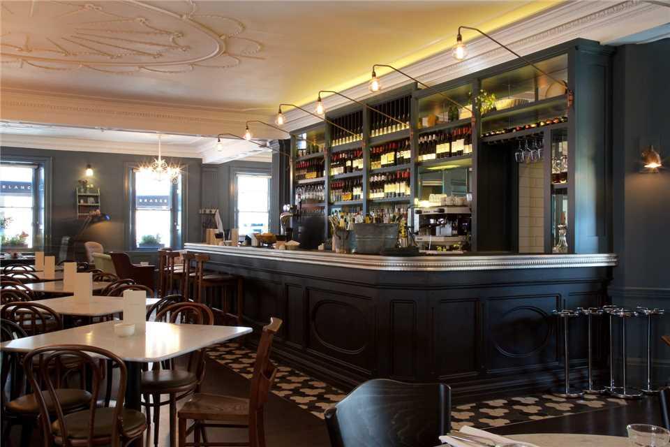 Francis Hotel Bar