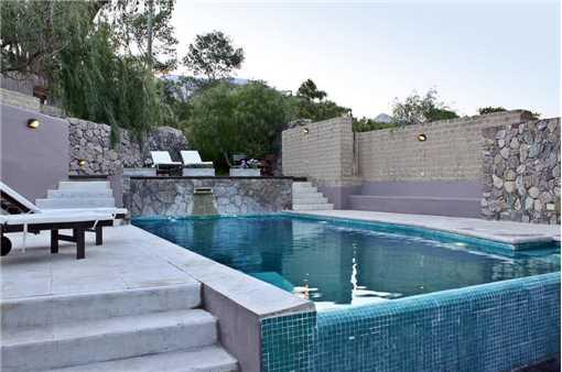La Comarca Pool