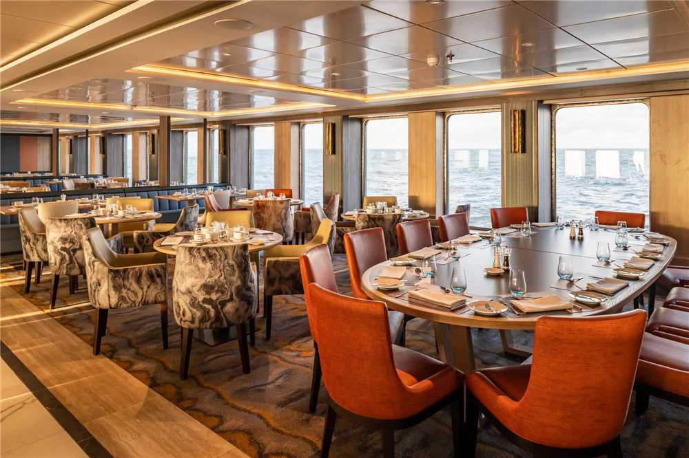 Nicko Cruises World Voyager Mystic Bordrestaurant