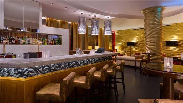 Crowne Plaza Ligovsky Bar
