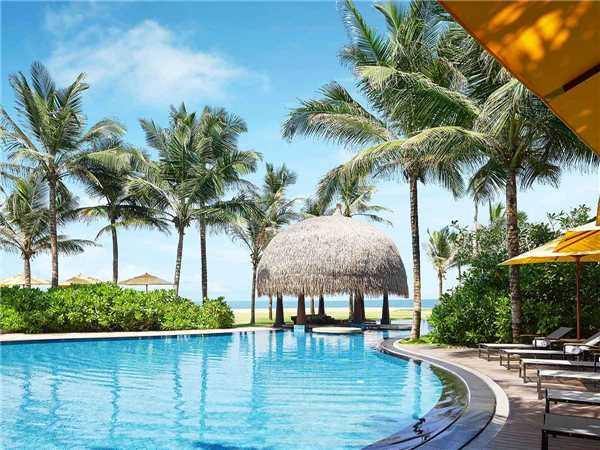Heritance Negombo Pool