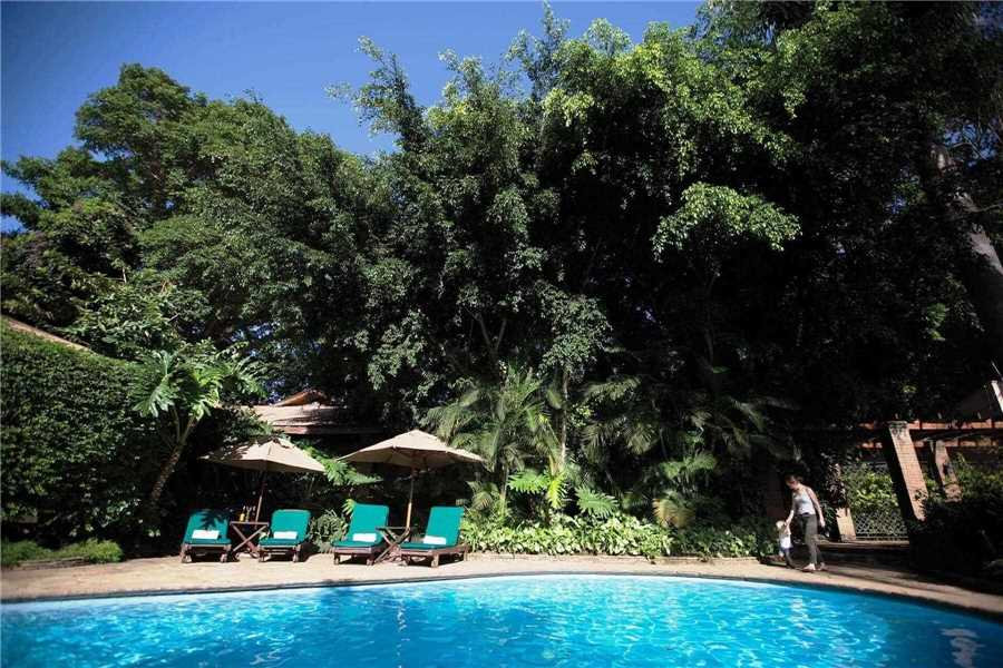 Arusha Coffee Lodge by Elewana Pool