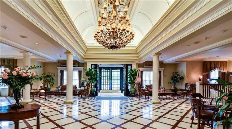 Queens Landing Lobby