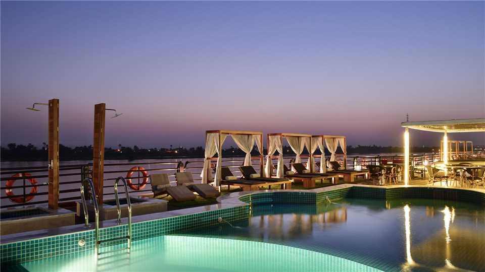 Mayfair Cruises MS Mayflower Pool