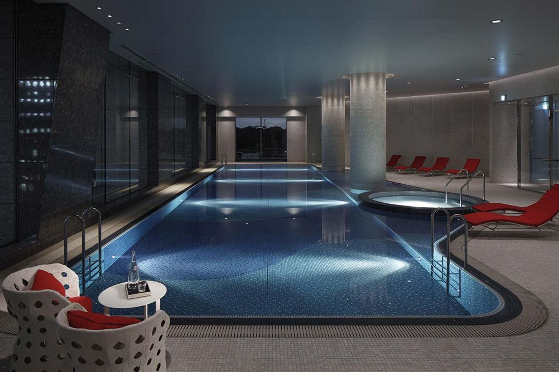 Palace Hotel Tokyo Pool