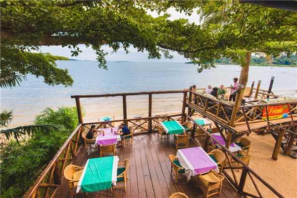 2 Friends Beach Hotel Restaurant