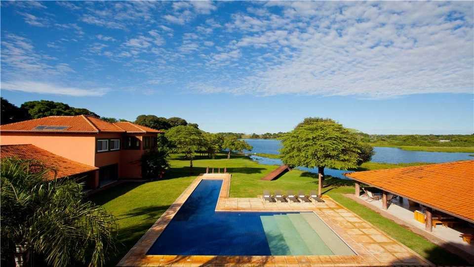 Caiman Lodge Pool