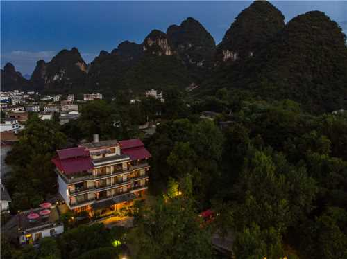 Yangshuo River Lodge Hotel Hotelansicht am Abend