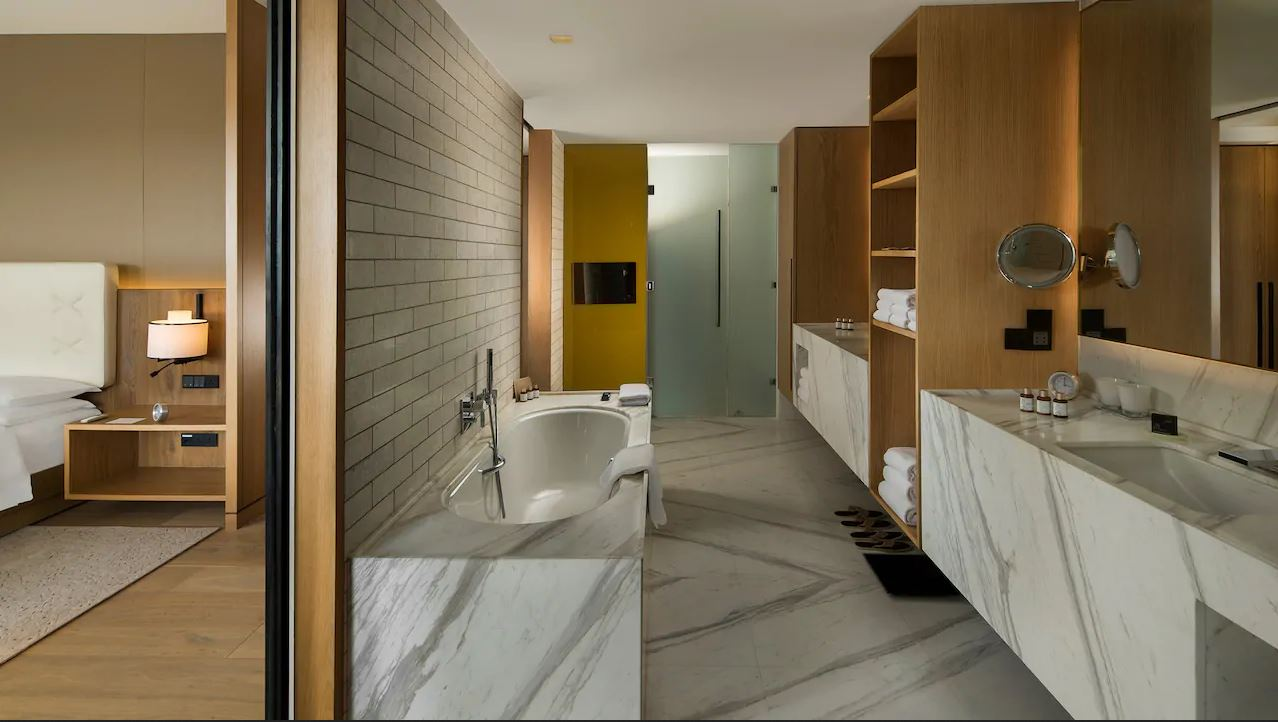 Andaz by Hyatt Badezimmer