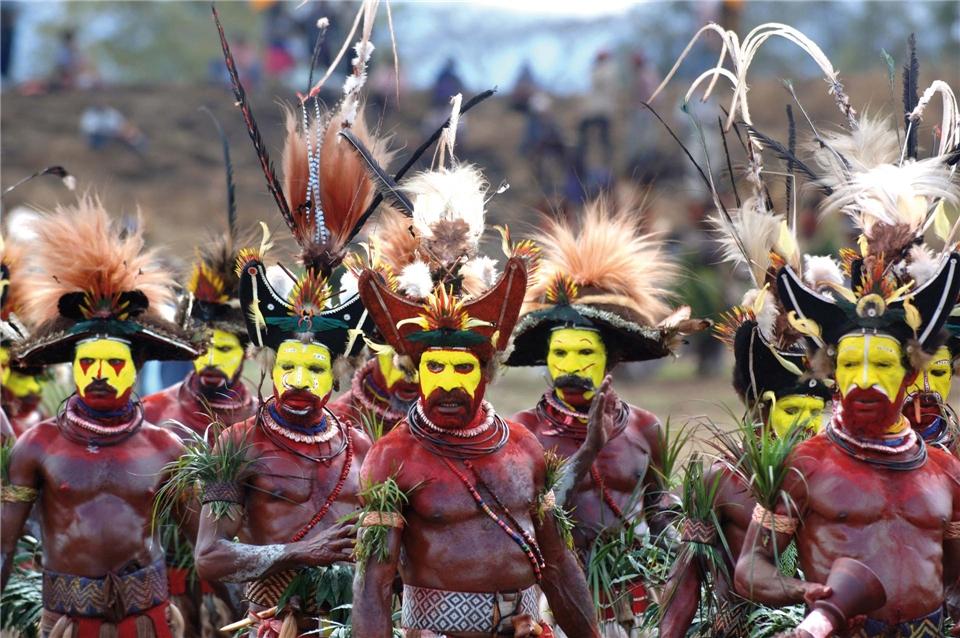 Papua Neuginea Männer vom Volk der Huli auf der Mount Hagen Highland Show