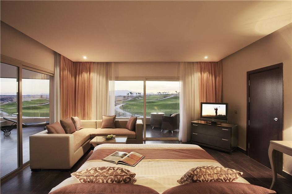 Steigenberger Makadi Blick vom Zimmer auf den Golfplatz