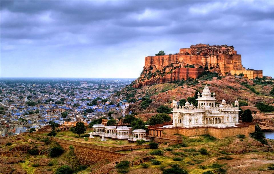 Rajasthan mit allen Sinnen Mehrangharh Fort und Jaswant Thada Mausoleum in Jodhpur