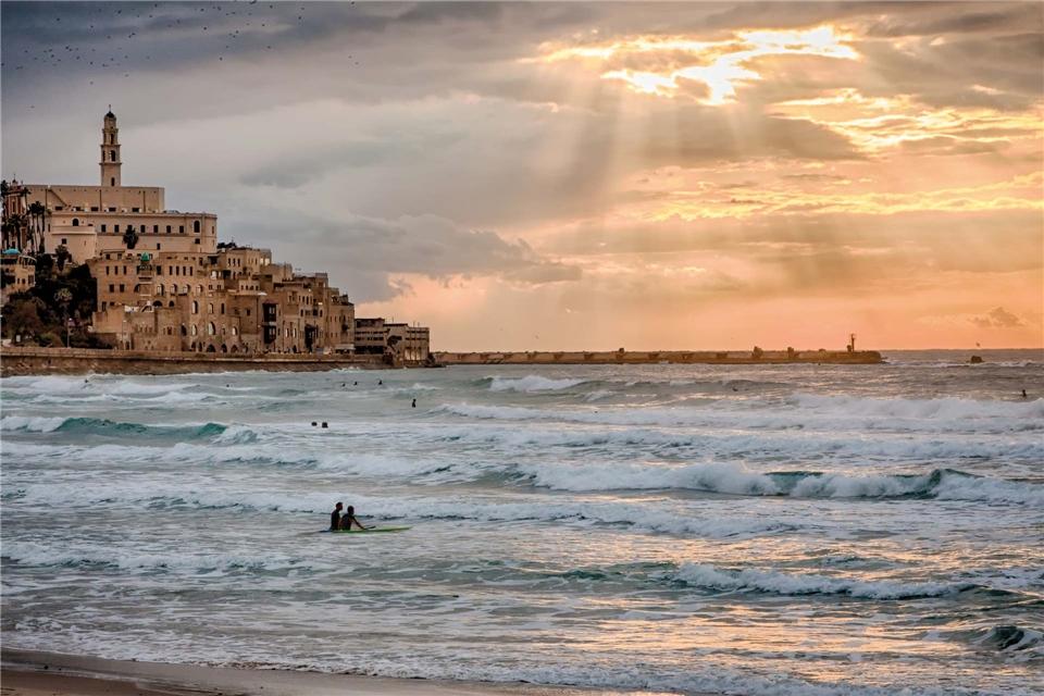 Libanon Surfer in Jaffa, Tel Aviv